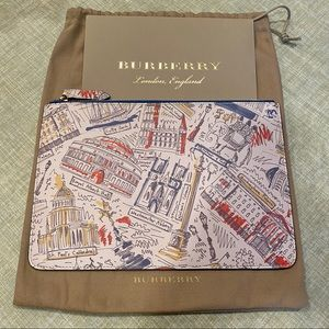 Burberry 2018 London Print Shop Travel Clutch